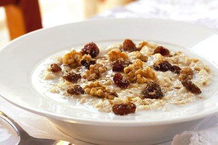 Walnuts add crunch to oatmeal.